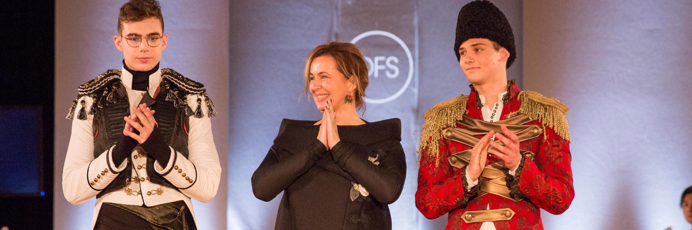 Contrast - Paris Fashion Show - Spring/Summer 2017